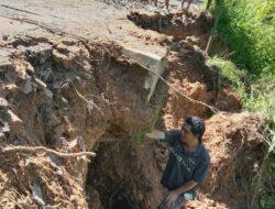 Longsor di Karot, Akses Jalan ke Ruteng Terputus