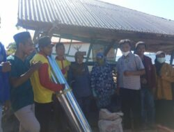 Universitas Muhammadyah Maumere Serahkan Bantuan Kepada Warga Terdampak Badai Rob