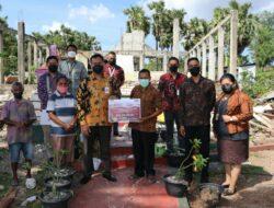 Ikatan Pegawai OJK Bantu Gereja yang Terkena Bencana di Kota Kupang
