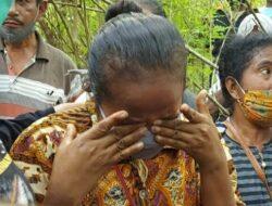 Sambil Menangis, Ibunda Nani Welkis Minta Tinus Harus Dihukum Mati