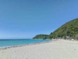 Pesona Alam Pantai Watu Pajung dan Hamparan Pasir Putih yang Menawan
