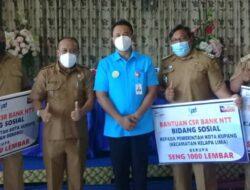 Bank NTT Serahkan CSR 6000 Lembar Seng untuk Korban Seroja di Kota Kupang