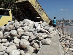 Kementerian PUPR Bangun Tanggul Pengaman Pantai Oesapa