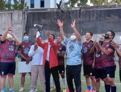 Masa Depan Sepak Bola NTT Bakal Cerah di Tangan Fary Francis-Davo Fulbertus
