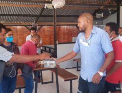 IKKA Kupang Donasi Uang Koin Bantu Manajemen PT. Timor Expres Intermedia