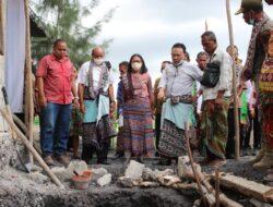 Bupati Kupang Hadiri Peletakan Batu Pertama Gereja Alfa Omega Oematnunu